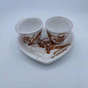 Set Caffè Vassoio a forma di cuore con due tazzine in ceramica fatto e dipinto a mano con disegni romagnoli colore ruggine