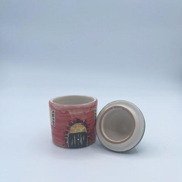 Barattolo piccolo porta sale e porta spezie a forma di casetta in ceramica fatta e dipinta a mano rossa con tetto verde