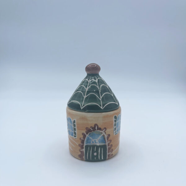 Barattolo piccolo porta sale e porta spezie a forma di casetta in ceramica fatta e dipinta a mano gialla con tetto verde