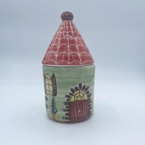 Barattolo grande porta sale e porta spezie a forma di casetta in ceramica fatta e dipinta a mano verde con tetto rosso